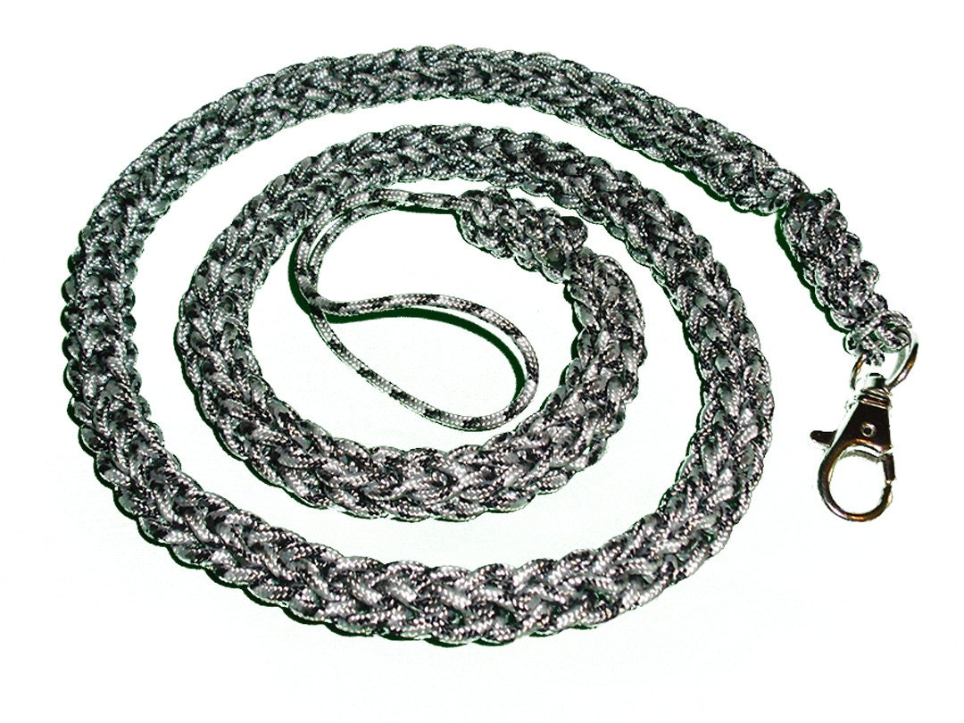 Spool knit tactical paracord wallet chain for How to make a paracord wallet chain
