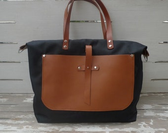 Free Express Shipping  Black Weekender Bag - Leather Double fixed and a removable Strap and  Shoulder bag / Tote, Diaper bag