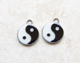 25X20mm, Yin Yang - Black and White Enamel and Silver Charm Pendants, 2 PC (INDOC416)