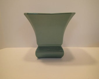 Vintage Beautiful Aqua Green Abingdon Vase