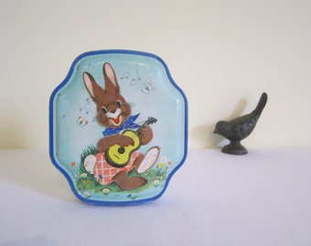 VINTAGE 1950s small storage tin - child decor, rabbit, ukelele