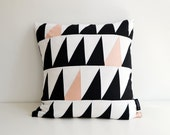 LARGE Geometric cushion cover triangles // black, white, pale pink // 50x50 cm // 20x20 inch