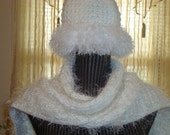 Women's  Winter  Hat  with Fur.or  Scarf. Knit.Fur  Trim. White.Winter/Fall.Teens  Girls. Faux  Fur. Gift.