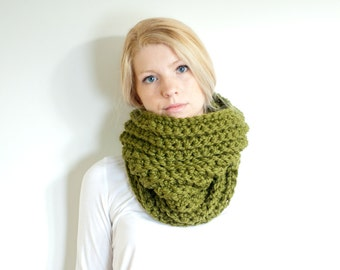 the HICKORY cowl - chunky ribbed cowl scarf neckwarmer - olive green