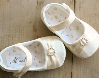 Baby RHINESTONE shoes, IVORY rhinestone baby shoes, elegant and dressy christening mary jane