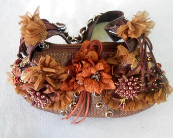 Ornate Art to Carry. This Purse is to Die for.
