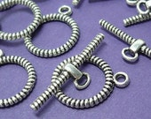 10 antique silver toggle clasps - twisted finish - 15mm x 19mm