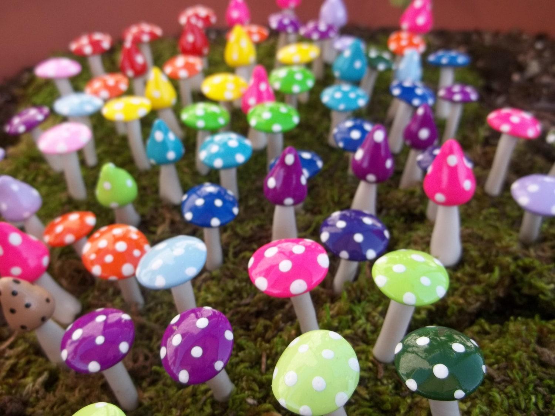Gnome Garden: 10 Miniature Fairy Garden Accessories Mushrooms Gnome Pixie