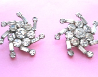 Vintage Rhinestone Swirly Stars Earrings