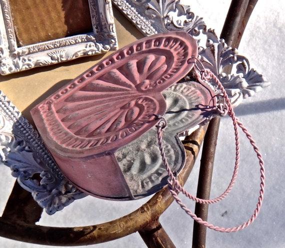 metal heart decor valentine 39 s day heart decor wall pocket. Black Bedroom Furniture Sets. Home Design Ideas