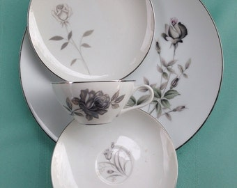 Stardust Collection 4 Piece Lunch Setting - Grey Roses