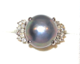 Absolutely Stunning Ladies Mabe Pearl and Diamond 14k White Gold Ring Size 7