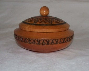 Round Trinket Box Wood Vintage