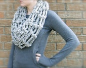 DIY Crochet Pattern: The Oslo Cowl,  PDF & ViDeO LiNk, infinity scarf, chunky super bulky yarn, InStAnt DoWnLoAd, Hookless Crochet
