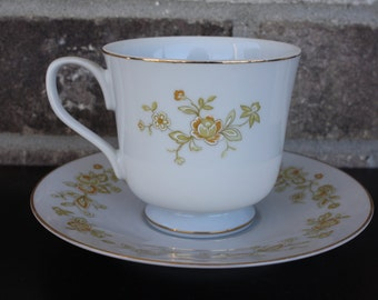 Vintage Tea Cup and Saucer, Four Crown China, Meredith, Made in Japan, 305