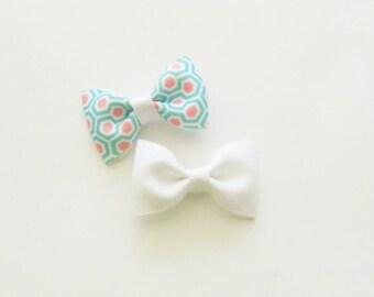 Baby Hair Bows, Mini Hair Bows, Small Hair Bows, Hair Bows for Infants, Girls Hair Bows, White Hair Bow