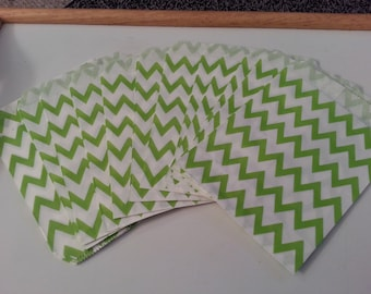 "25 Paper Treat Bags Green Chevron 5 ""x 7""  Zig Zag - Snack Bags  - Gift  Goody Bags - Birthday Party - Baby Shower - Utensil Baggy - Popcorn"