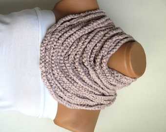 oatmeal chain scarf, infinity Scarf, Fashion Woman Accessory, Crochet infinity Scarf. Scarf necklace, Combed cotton rope, rope recycling.