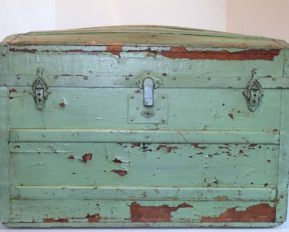 Antique steamer trunk painted green wood dome or barrel - How to paint an old trunk ...