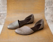 Mothers Day Sale Flat leather shoes, Designer comfortable shoes. Silver pattern leather flats. Great bridal flat shoes.