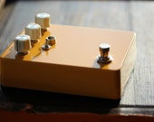 The 'Worm Burner' Distortion Pedal Vintage / Classic Guitar / Keyboard / Instrument Effects FX Pedal Stomp Box- Hand Built Replica