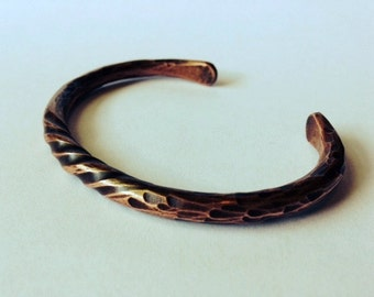 Size Large. Hand Forged Twisted Copper Bracelet. Rustic Charm. Cool gifts for men or women. Fight Arthritis with style.