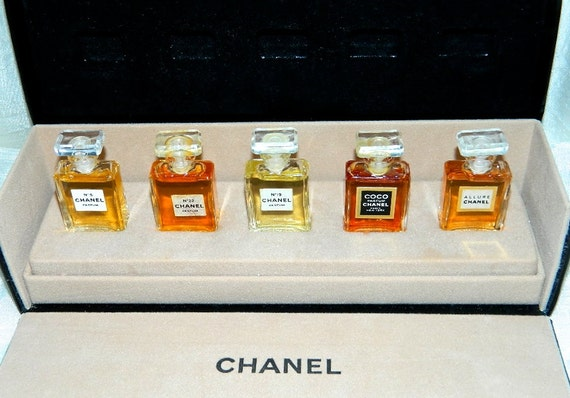 Chanel Vintage Perfume Gift Wardrobe Set In Box 5 Miniature