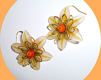Striped Lucite flowers