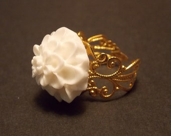 White and Gold Flower Ring
