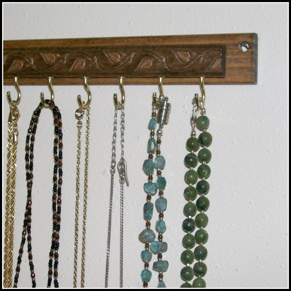 Leaf Necklace Hanger Organizer Wall Mounted Wood