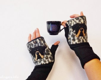 Rottweiler Gift. Dog Walking and Training Fingerless Gloves with Pockets.