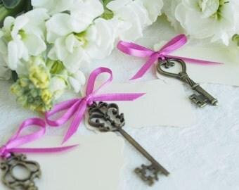 Skeleton Key Escort Cards, Wedding Place Card Seating Plan, Vintage Inspired Talbe Decoration, Violet Purple Favor Paper Goods Gold White 5
