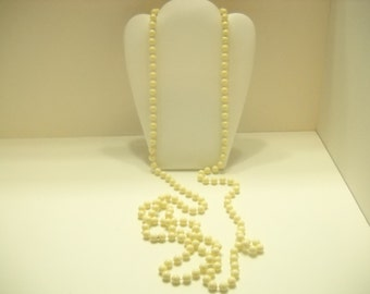 "60"" Pale Yellow Plastic Beaded Necklace (4903)"