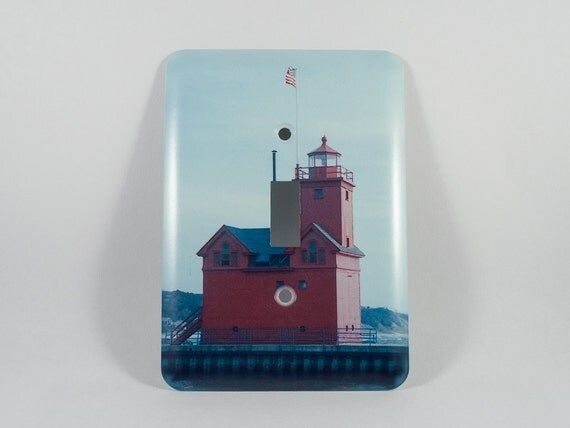 Light switchplate holland harbor lighthouse design big red for Lighthouse switch plates