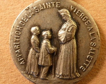 Vintage  French Religious  Medal Our Lady of La Salette  circa 1930'  signed Penin Poncet Pendant antique  Charm