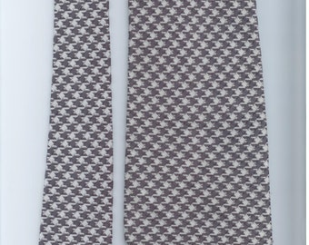 Vintage Sears Mens Store gray and white mens necktie (21)