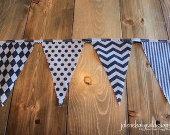 Bunting Flags on Linen Cotton Canvas - 92 inches - 1 Sided
