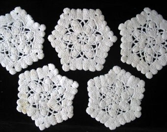 White Crocheted Handmade Vintage Coasters in Star Pattern Set of 5