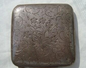 Ornate Italian 800 Silver Italian Compact, Accessory [Drw]