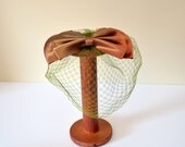 Vintage 1960s Hat // 60s Bow with Netting //