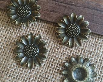 10pieces 25*25  SunFlower charm -  antique bronze charm pendant  Jewelry Findings