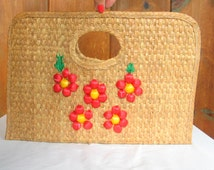 SALE CLEARANCE Vintage 1970's Woven Straw Large Clutch Portfolio Vacation Handbag Floral Natural Straw in excellent vintage condition.