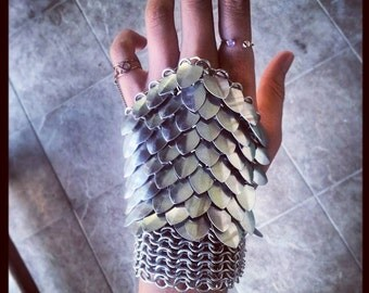 Handcrafted Scalemail & Chainmail Fingerless Gloves