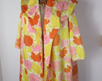 1960s  Tropic Inspired  Floral Silk Swing Jacket.........      size Medium/Large..........   ON SALE!