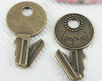 8pcs antiqued bronze color bent key design pendant EF0822