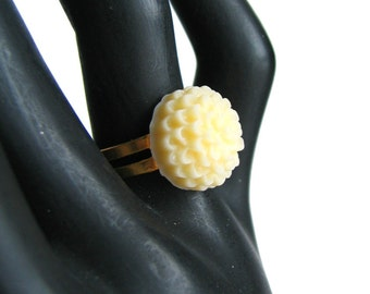 Cream Flower Ring - Adjustable Flower Ring - Dahlia Ring - CLEARANCE