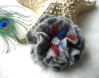Grey Felted Flower Brooch Pin,Wool Felt, Felted Wool, Felt Brooch, Flower Brooch, Felt Flower Pin, Beaded Flower