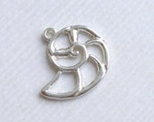Sterling Silver Nautilus Charm -- 1 Piece... Shell Pendant
