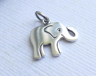 Sterling Silver Elephant Charm -- 1 Piece -- 925 Sterling Pendant