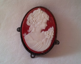Vintage Red Cameo brooch / oval cameo on red background / looks pretty on a scarf or blouse / add a little Valentine's romance to your day